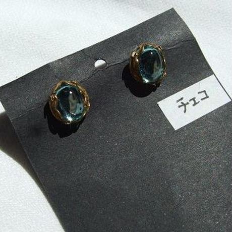 ヴィンテージチェコガラススタッドピアス a-1351