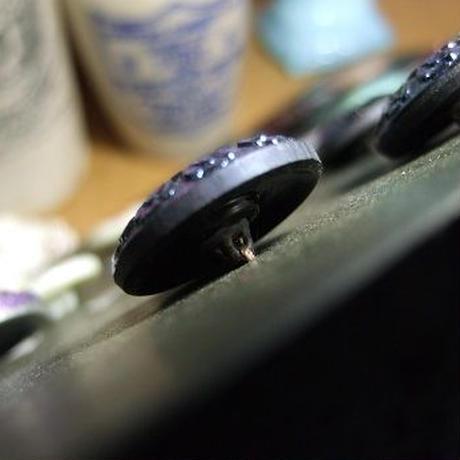 エメラルドゴールド小花ボタン 直径23mm f-798