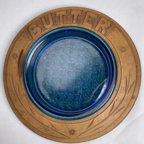 バターディッシュ 木彫トレイとガラス皿 fi-61