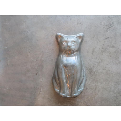 cat mold object
