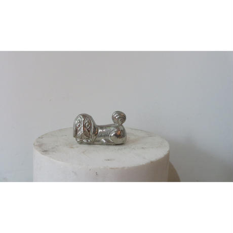stainless steel sitting dog