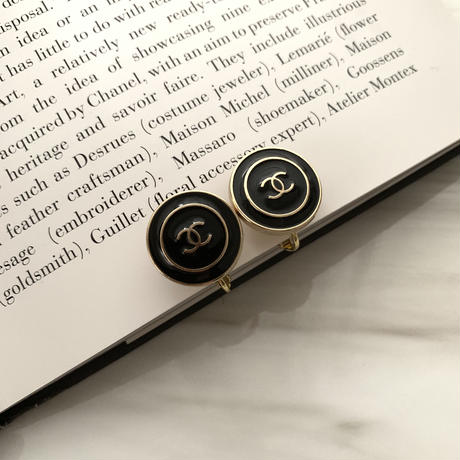 handmade CHANEL button 2way earrings
