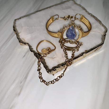Stone bracelet ring