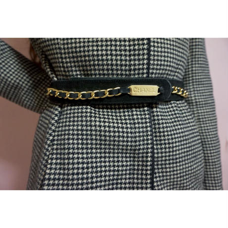 vintage CHANEL logo chain design belt