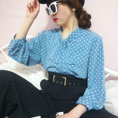 select dot ribon blouse