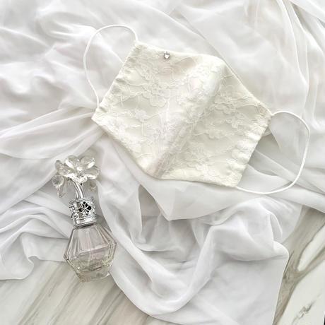 【受注販売❤︎シルクサテンストーン付】handmade white  lace mask