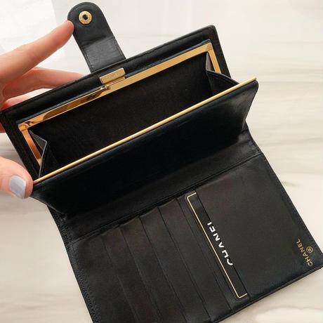 vintage CHANEL caviar skin wallet