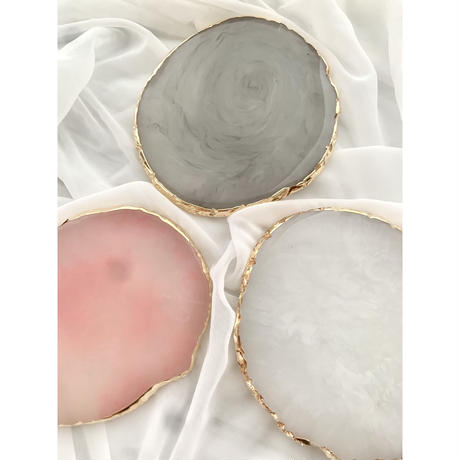Resin round plate