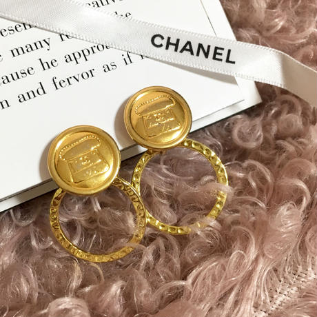 handmade CHANEL bag design button 2way foop earrings