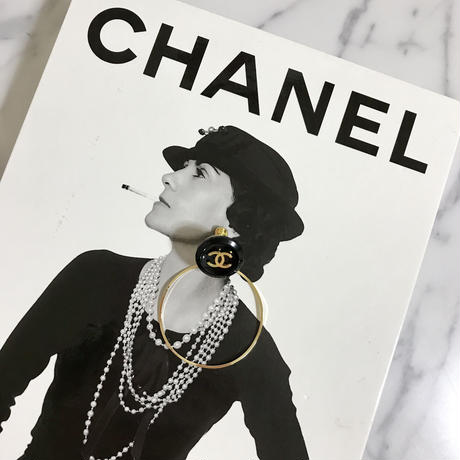 handmade  CHANEL vintage button 2way foop earrings