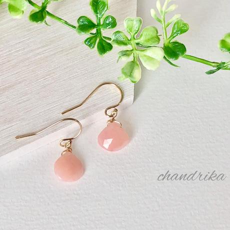 ピンクオパールのひと粒ピアス