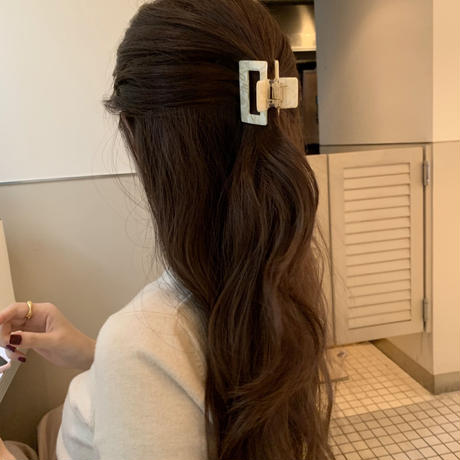 vanilla latte hairclip