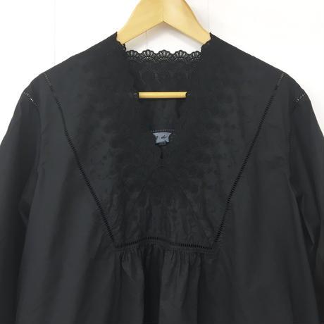 point de Japon / V-neck Gathered Top / Black