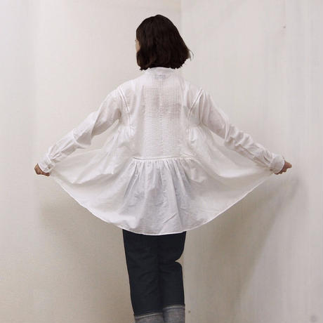 point de Japon / Band Collar Pintuck Gathered Top / Off White