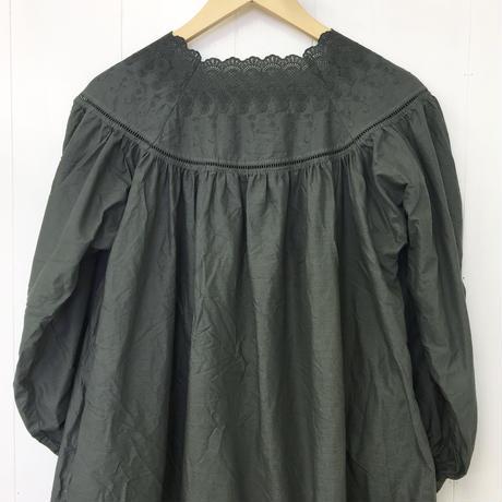 point de Japon / Square Neck Gathered Dress / Khaki Green