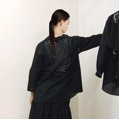 point de Japon / Patched Lace Blouse / Black
