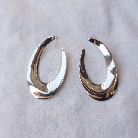 APPRECIATIVE Big oval  pierce