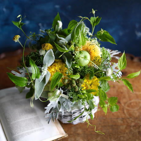 【おまかせ定期便】季節のお花おまかせアレンジメント S