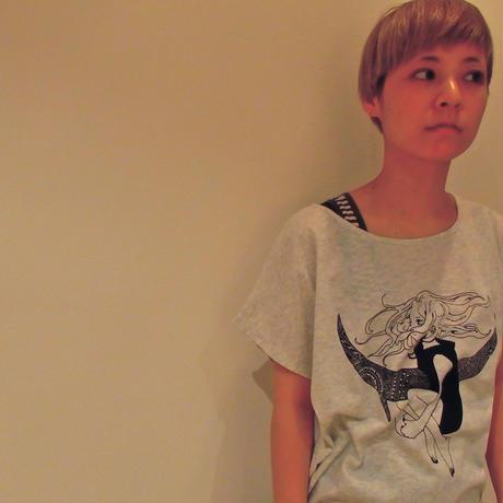 レディースTシャツ /APSU×むすび「月舟と守人」
