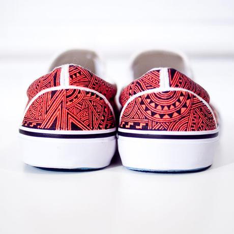 〜受注生産〜【手描き文様スニーカー】Red&Black
