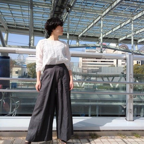 【aqua wistaria】コットン100%サッカー生地ブラウス