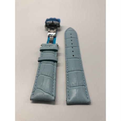ライトブルークロコダイル型押しベルト