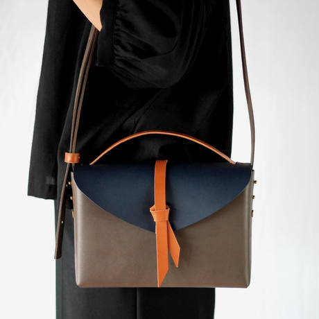 [style&things]  ori box bag slim #D.gray x navy x camel