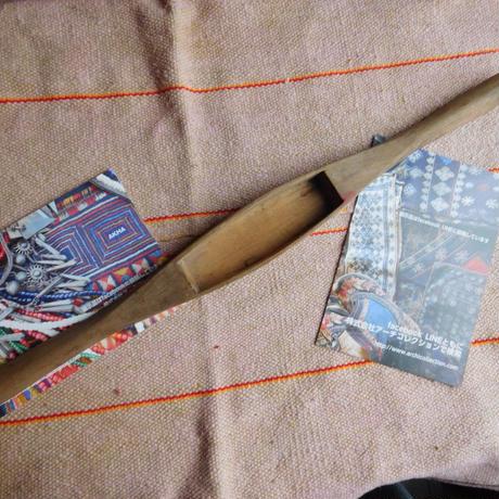 織り 織機 シャトル 杼 使用可 ストアーズno.19  70 g  全長43巾3.7高2.6 内径長10.6巾3.1深2.0cm shuttle 木製 オールド