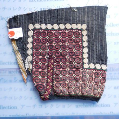 STORES ウズベク族 渦巻き刺繍布NO.3 23X21 CM ウズベキスタン 中央アジア 民族衣装 手仕事 袖 はぎれ