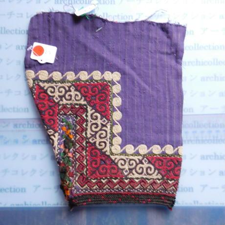 STORES ウズベク族 渦巻き刺繍布NO.6 20X24 CM ウズベキスタン 中央アジア 民族衣装 手仕事 袖 はぎれ