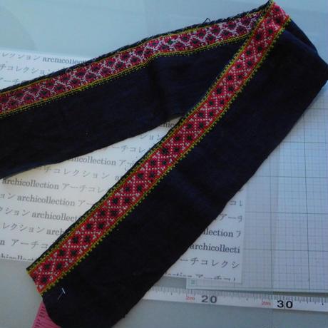 モン族のスカートのボーダー布 no.45  14 x90-100cm 麻布混 Hmong embroidery needlework はぎれ ラオス タイ