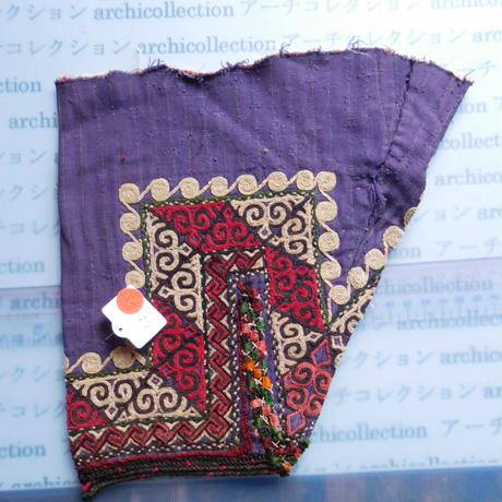 STORES ウズベク族 渦巻き刺繍布NO.5 24X24 CM ウズベキスタン 中央アジア 民族衣装 手仕事 袖 はぎれ