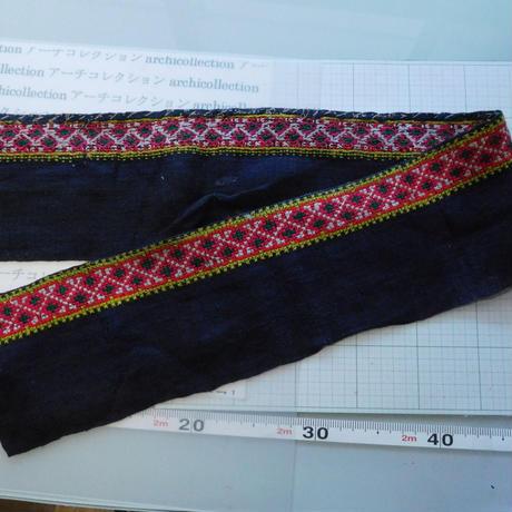 モン族のスカートのボーダー布 no.46  14 x90-100cm 麻布混 Hmong embroidery needlework はぎれ ラオス タイ