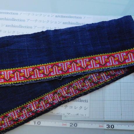 モン族のスカートのボーダー布 no.49  14 x90-100cm 麻布混 Hmong embroidery needlework はぎれ ラオス タイ