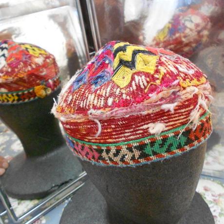ウズベキスタン ウズベク族UZBEK WOMEN'S CAP25 刺繍女性用帽子50H10cm