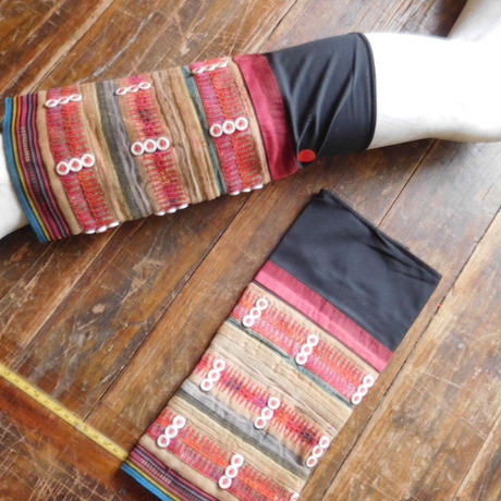 STORES アカ族 ソックス脚絆NO. 20上部口29x長さ30.5x下部口28cm タイ ミャンマー北部山地岳 民族衣装 本物 手仕事 刺繍