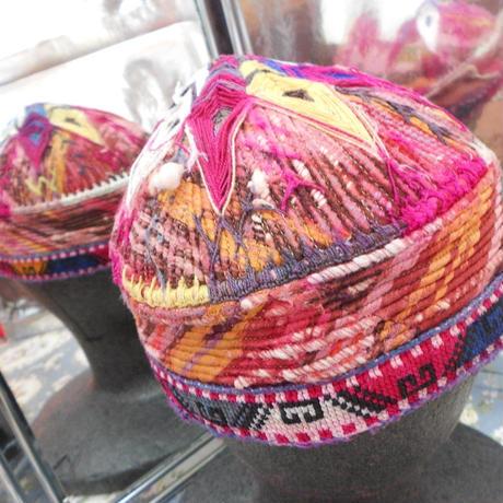 ウズベキスタン ウズベク族UZBEK WOMEN'S CAP33 刺繍女性用帽子52H12cm