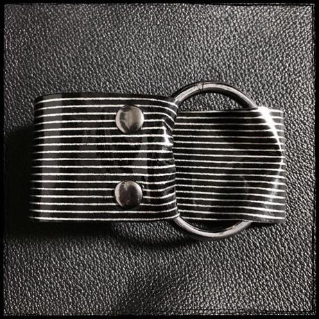結核堂/けっかくどう  リング腕輪(黒×銀 豚)