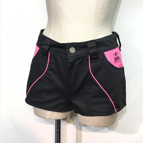 D/3/ディースリー ホットパンツ 黒×ピンク