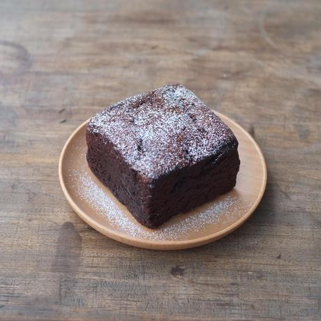 ホワイトデー_リボンラッピング込 BUCHE de CHOCOLAT(ビュッシュ・ド・ショコラ)キューブショコラ