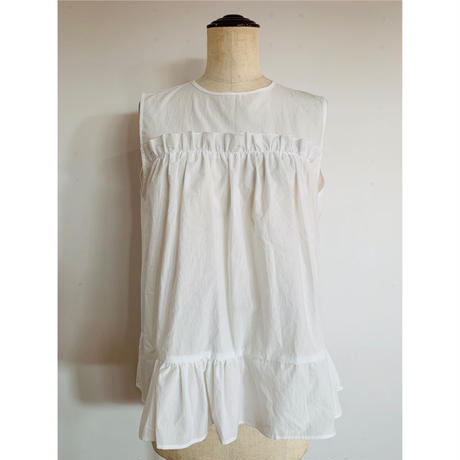 GATHER SLEEVELESS SHIRT
