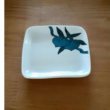 九谷焼 「桃」四角皿小