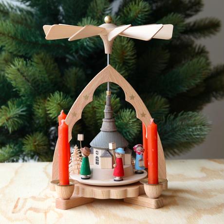 クリスマスピラミッド「ランタンを持つ子どもたち」