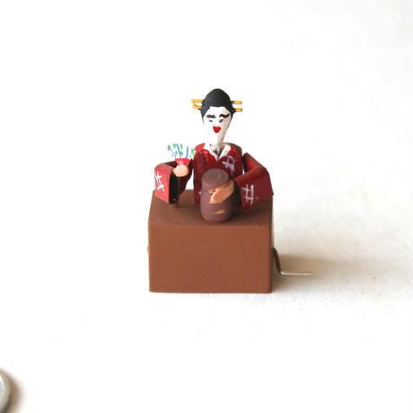 「Geisha /  芸者」 L&A St.Leger のミニチュアオートマタ(イギリス)