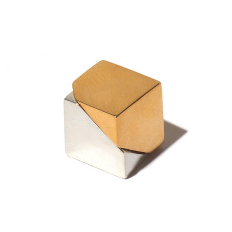 Cube shaped earring | Gold/Silver