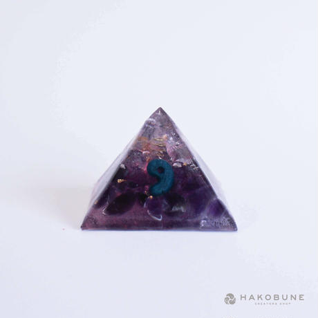 ピラミッドオルゴナイト勾玉 PM15 nohana