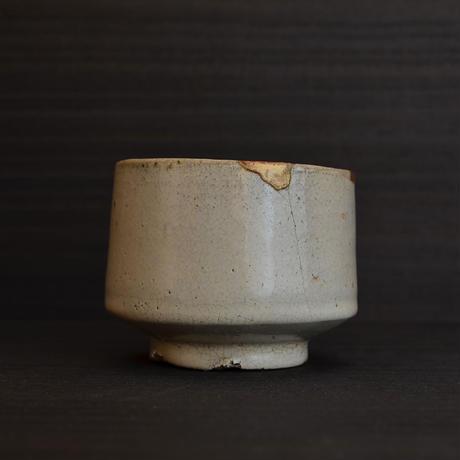 斑唐津小服茶碗(まだらからつこふくちゃわん)