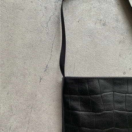 ARUMO  レザーショルダーバッグD /  ブラック+クロコ