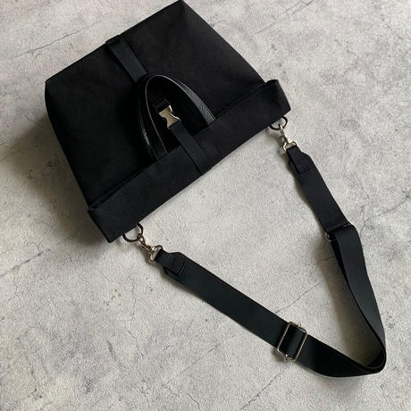 ARUMO  フラップバッグ S  / ブラック