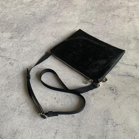 ARUMO  レザージップサコッシュ / ブラック x ビンテージコイン